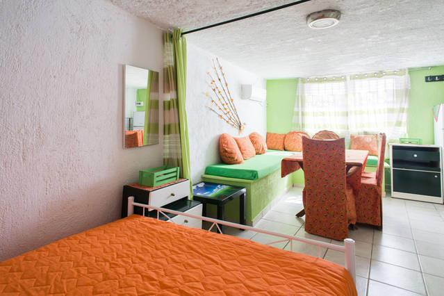 Wave Dance Accommodation - dionysos